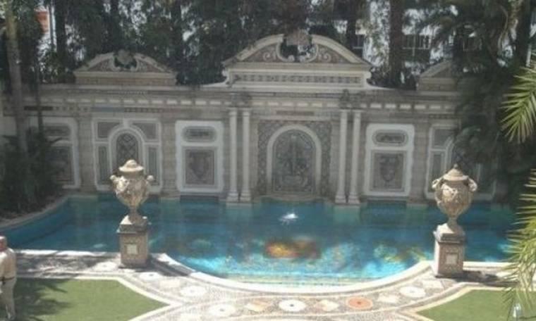 Στο «σφυρί» η θρυλική βίλα του Gianni Versace