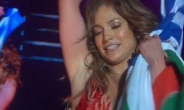 Jennifer Lopez: Αγκαλιά με την ελληνική σημαία στη Σόφια!