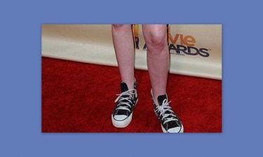 Την παρακαλάνε να φορέσει τακούνια!