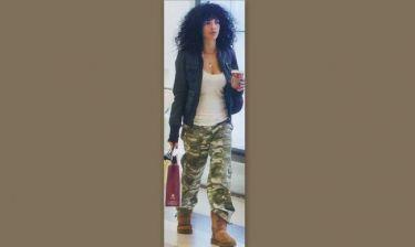 Μαρία Σολωμού: Με casual look για ψώνια
