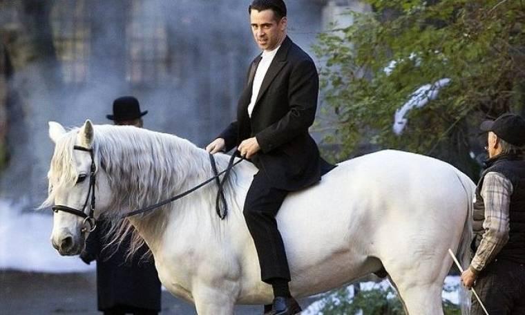 Colin Farrell: Ο πρίγκιπας με το άσπρο άλογο!