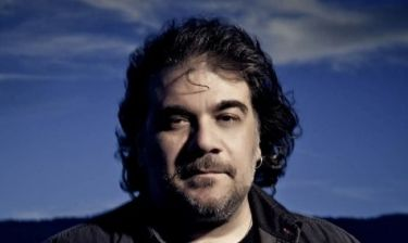 Δημήτρης Σταρόβας: Μιλάει για την παράσταση που συμμετέχει
