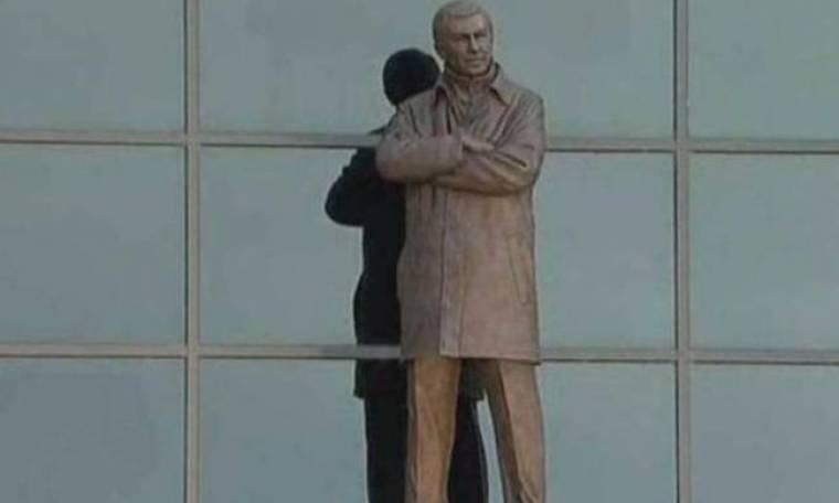 Τα αποκαλυπτήρια του αγάλματος του Φέργκιουσον! (photos)