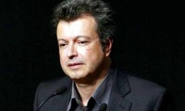 Χαμός στο Facebook: Ο γυμνός του Συντάγματος και ο... Τατσόπουλος!