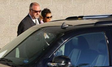 Halle Berry: Κυκλοφορεί και με αστυνομικούς μετά τον καβγά!