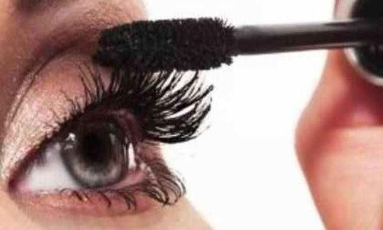 5 mascara tricks για «θανατηφόρες» βλεφαρίδες!