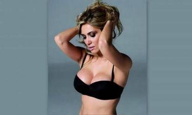 Έλενα Παπαβασιλείου: «Δεν προβάλλω εγώ τη σέξι πλευρά μου, προβάλλεται από μόνη της»