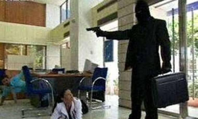 Σοκ: Ο Κύπριος ηθοποιός οδηγήθηκε στις κεντρικές φυλακές για τη ληστεία σε τράπεζα