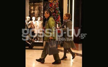 Βίκυ Σταυροπούλου- Χρήστος Χατζηπαναγιώτης: Έκαναν τις Χριστουγεννιάτικες αγορές τους