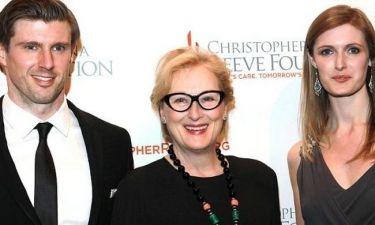 Με τα παιδιά ποιου αξέχαστου ηθοποιού ποζάρει η Meryl Streep;