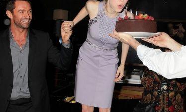 Πάρτι μετά την πρεμιέρα του Les Miserables και με τούρτα γενεθλίων για την…