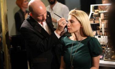 Η Νίκη Κάρτσωνα αφέθηκε στα «μαγικά» χέρια του make-up artist του Yves Saint Laurent, Fred Letailleur