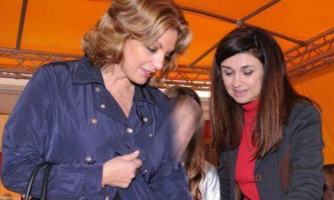 Άντζελα Γκρερέκου: Γιορτινή βόλτα με τη κόρη της!