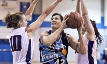 Ο πρώην πεζοναύτης που έγινε σέντερ, σε γυναικεία ομάδα μπάσκετ!
