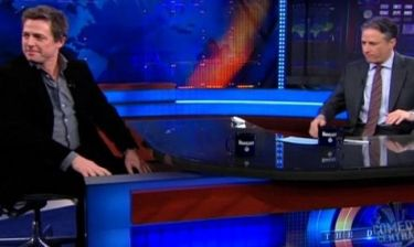 Ο Jon Stewart απέκλεισε τον Hugh Grant από την εκπομπή του