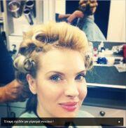 Γνωστή Ελληνίδα παρουσιάστρια με μώλωπες σε όλο της το κορμί!