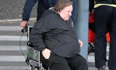 Gerard Depardieu: Άφιξη στη Ρώμη σε αναπηρικό καροτσάκι