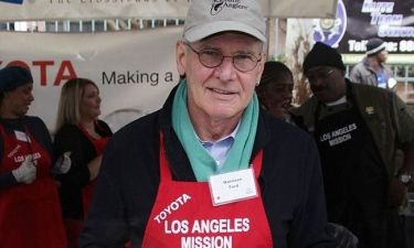Harrison Ford: Μοιράζει φαγητό στους άστεγους