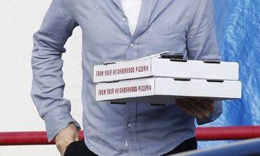Που πας με τις πίτσες μέσα στα Χριστούγεννα;