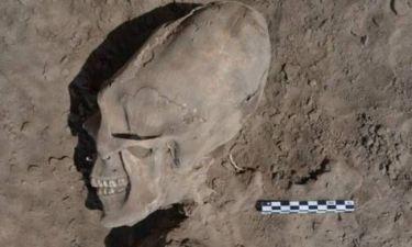 ΒΙΝΤΕΟ - ΣΟΚ: Βρέθηκαν «εξωγήινα» κρανία σε σκελετούς παιδιών