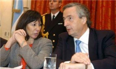 Πρώην υπουργός Οικονομικών έκρυβε δεκάδες ευρώ στο μπάνιο της