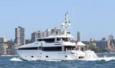 Ποιοι ηθοποιοί περνούν τις μέρες τους στο Σίδνεϊ με αυτό το σκάφος;