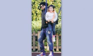 Γιάννης Αϊβάζης: Παιχνίδια με την μικρή Ισμήνη