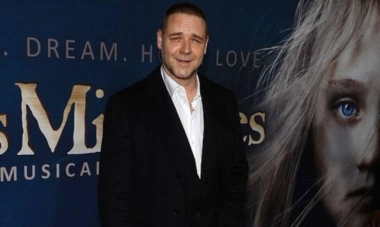 Τι απάντησε ο Russell Crowe στην κριτική του Adam Lambert για το Les Miserables;