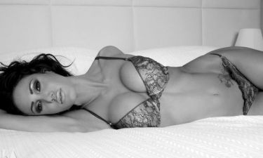 Καυτό: Στο κρεβάτι με την Playmate Έφη Κυριάκου!!! (Nassos blog)