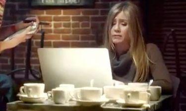 Όταν η Jennifer Aniston δεν έχει Wi-Fi