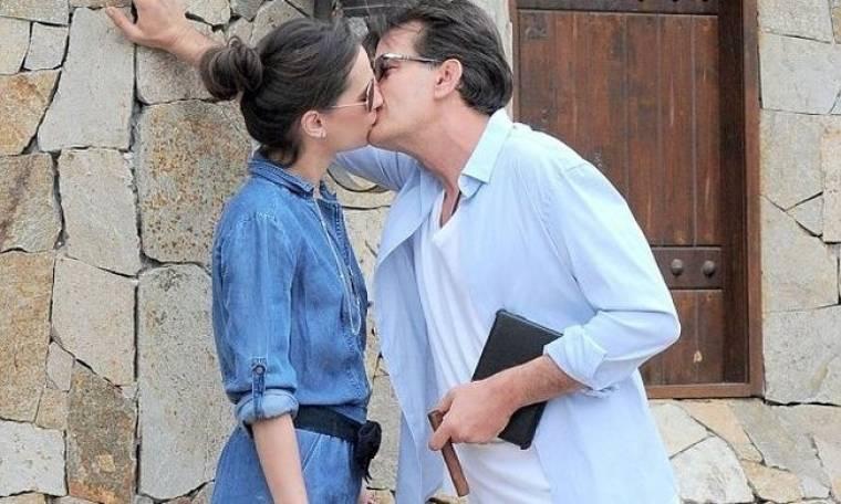 Charlie Sheen: Νέα σχέση με πορνοστάρ!