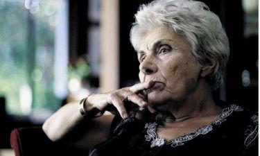 Κική Δημουλά: «Θα ζήσουμε χειρότερα από την Χούντα»