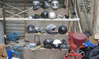 Δείτε την αστυνομική επιχείρηση στη «Βίλα Αμαλία» (pics-vid)
