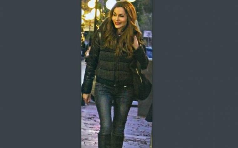 Δέσποινα Βανδή: Ανανεωμένη και ευδιάθετη έκανε τα ψώνια της στην Κηφισιά