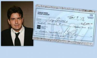 Charlie Sheen: Δώρισε 12 χιλιάδες δολάρια στην οικογένεια του άτυχου παπαράτσι που προσπάθησε να φωτογραφήσει τον Bieber