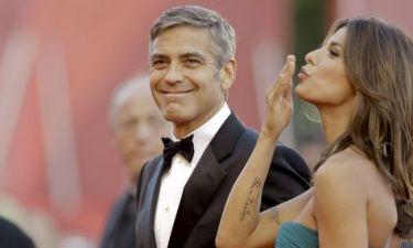 Elisabetta Canalis: Η πρώην του George Clooney μιλά για το λίφτινγκ στους όρχεις του!