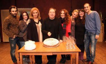 Η παράσταση «Όθων και Ποθούλα» έκοψε την πρωτοχρονιάτική της πίτα