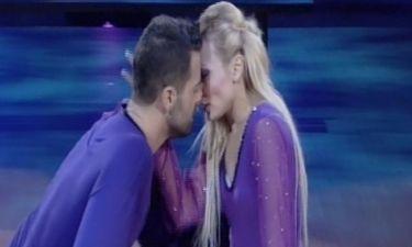 Ηλίας Βρεττός: Το «φιλί» με την παρτενέρ του