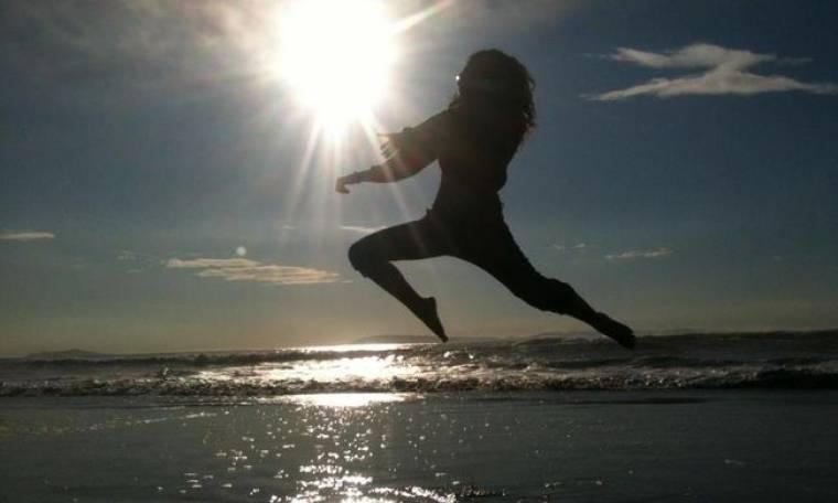 Ένα και δύο πηδάω τα κύματα! (φωτό)