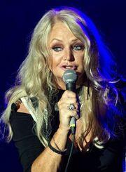 Δε θα πιστεύετε πώς είναι σήμερα η τραγουδίστρια, Bonnie Tyler!