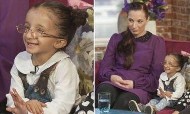 Βίντεο: Η συγκινητική ιστορία της μικρής που πάσχει από σπάνιο νανισμό