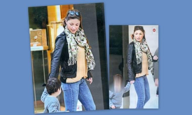 Έλενα Παπαρίζου: Βόλτα με τον μικρό της φίλο Χάρη!