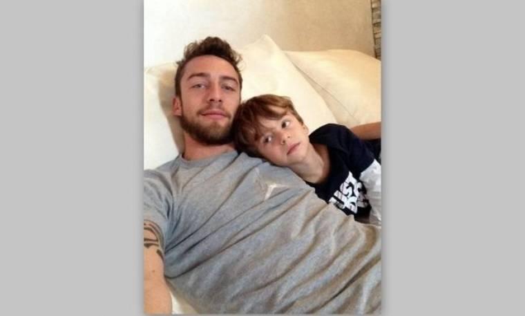 Ο Κλαούντιο Μαρκίζιο βλέπει παιδικά με το γιο του