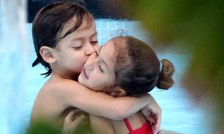 Αγαπημένα αδελφάκια τα δίδυμα της Jennifer Lopez