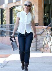 Britney Spears: Έβγαλε το δαχτυλίδι αρραβώνων