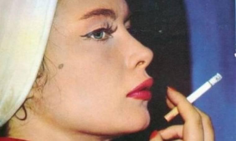 Όταν η πανέμορφη Τζένη Καρέζη πόζαρε σα μοντέλο, 50 χρόνια πριν