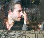 Καυτά φιλιά για την Ασλάνογλου!