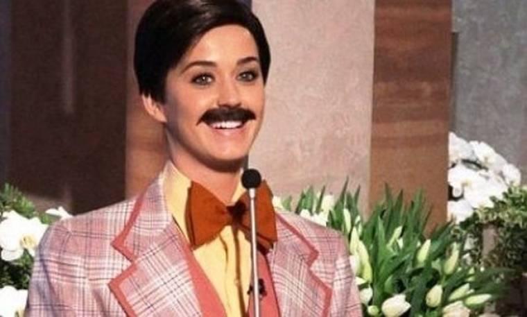 Γιατί η Katy Perry...άφησε μουστάκι; (video)