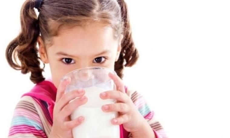 Πόσο γάλα πρέπει να πίνει το παιδί μου ημερησίως;