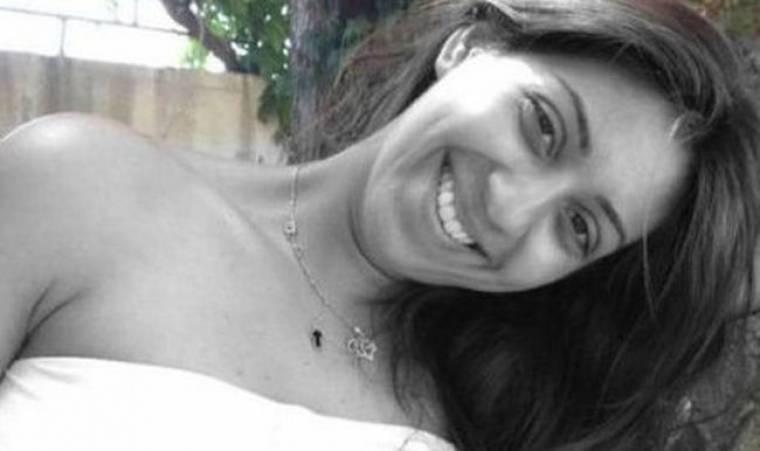 Η κόρη του Βασίλη Καρρά, Ειρήνη μένει πλέον στο… «Χωριό»!